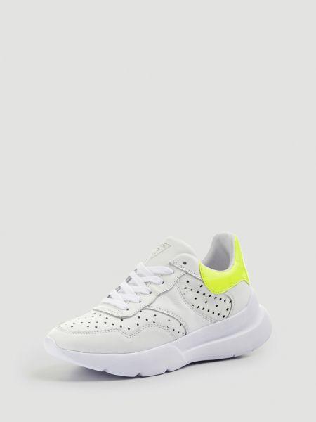 Sneaker Minca Echtes Leder | Schuhe > Sneaker > Sneaker | Mehrfarbig -  weiß | Guess