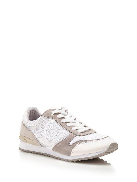 Sneaker cate avec dentelle