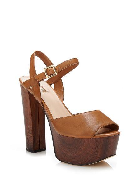 Sandale den en cuir