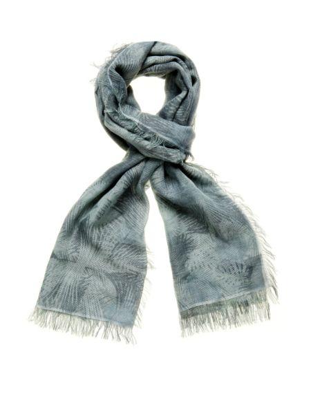Camou print scarf.