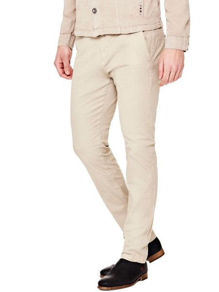 Imagen principal de producto de Pantalón Slim Modelo Chinos - Guess