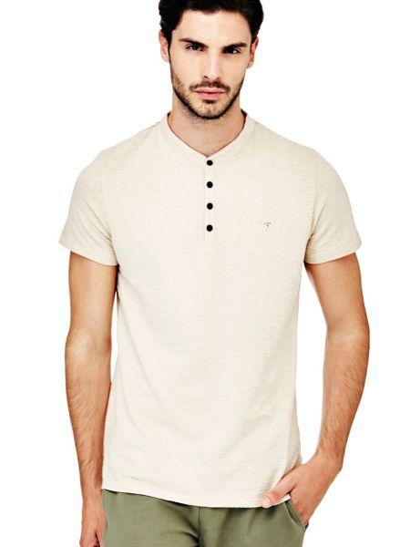 Imagen principal de producto de Camiseta Cuello Botones - Guess