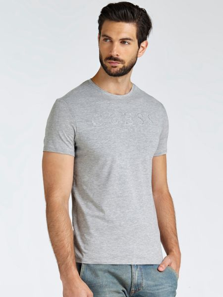 Imagen principal de producto de Camiseta Logo Frontal - Guess
