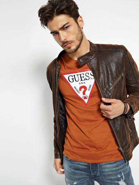 Imagen principal de producto de Camiseta Triángulo Logo - Guess