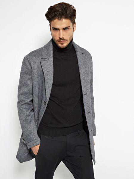 Imagen principal de producto de Suéter De Cuello Alto Detalle Logo - Guess