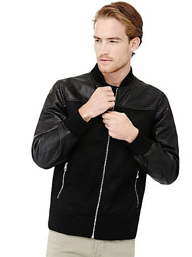 Up to -65% off on Men s Outlet   GUESS® 16a62559852