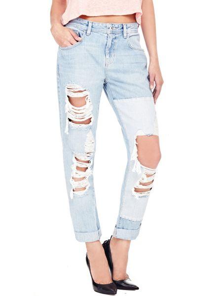 Jeans déchiré sur le devant